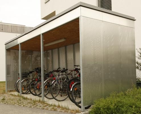 Fahrradhaus verzinkt mit Alulochblech