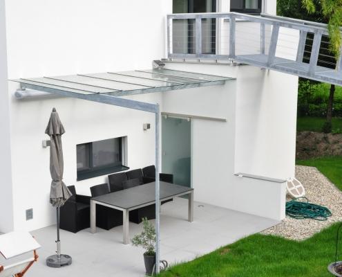 Terrrassenüberdachung verzinkt mit Glasdach