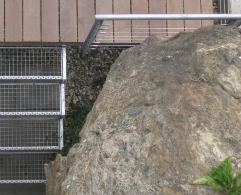 Außentreppe verzinkt mit Gitterroststufen