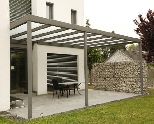 Terrassenüberdachung verzinkt und pulverbeschichtet mit Glasdach