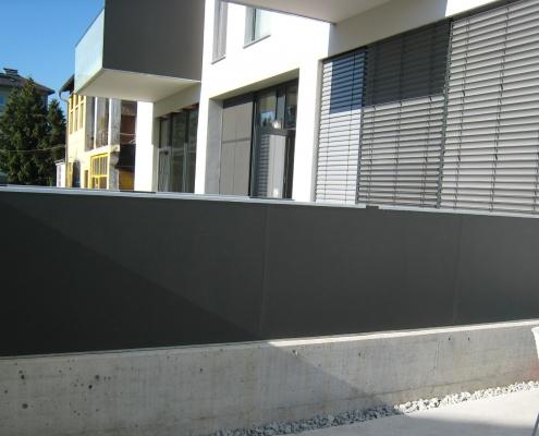 Sichtschutzwand Edelstahl mit Fassadenplatten