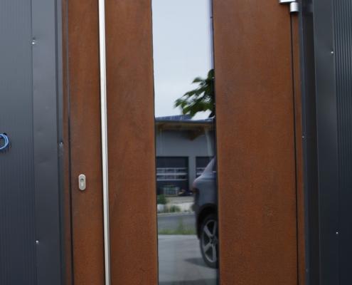 Tür Cortenstahl mit Glas