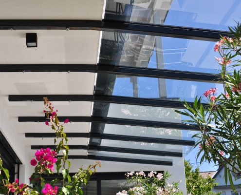 Vordach Unterkonstruktion beschichtet
