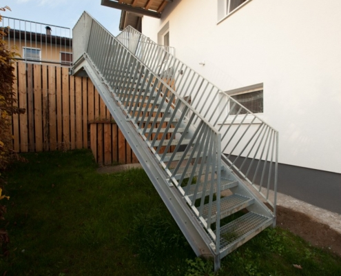 Außenstiege Stahl verzinkt